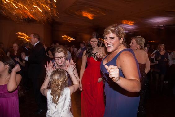 friends celebrate at Philadelphia wedding reception - photo: Daniel Fugaciu Photography | via https://emmalinebride.com