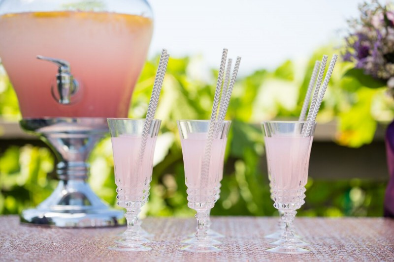 Lemonade with Gray Chevron Straws (photo: olivia smartt) http://emmalinebride.com/themes/winery-style-wedding/