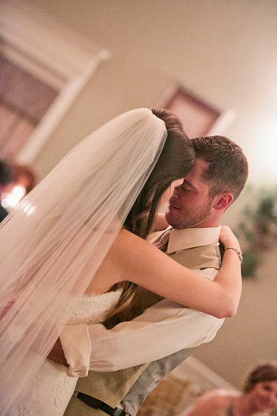 Tate Tullier Photography - Gatehouse wedding - bride-and-groom-dance