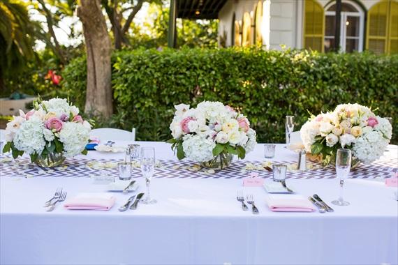 Filda Konec Photography - Hemingway House Wedding - wedding flowers and table decorations for key west wedding