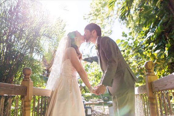 Filda Konec Photography - Hemingway House Wedding - bride and groom kiss at key west wedding