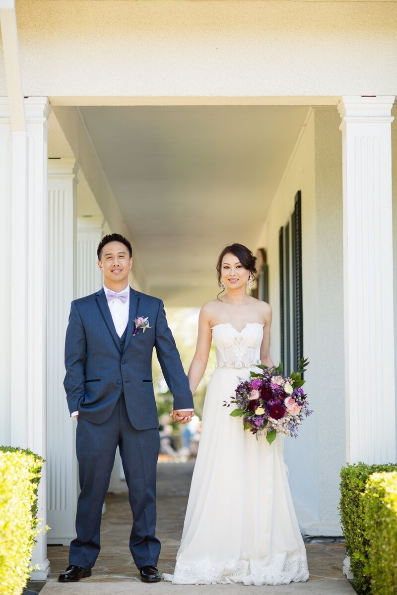 Winery Style Wedding Shoot - The Bride and Groom (photo: olivia smartt) http://emmalinebride.com/themes/winery-style-wedding/