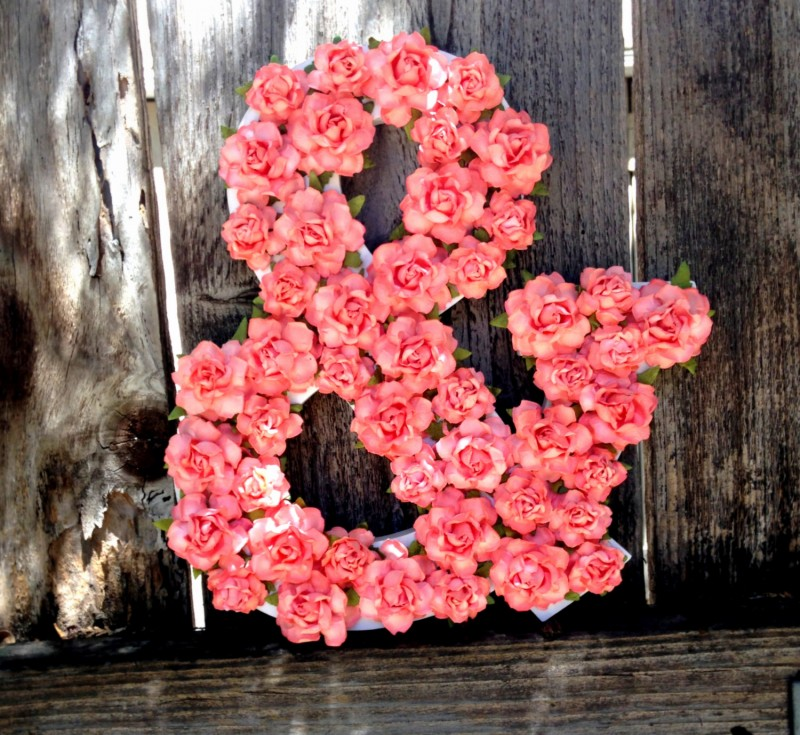 ampersand made with paper flowers | Paper Flowers for DIY Projects http://emmalinebride.com/2015-giveaway/paper-flowers-for-diy-projects/
