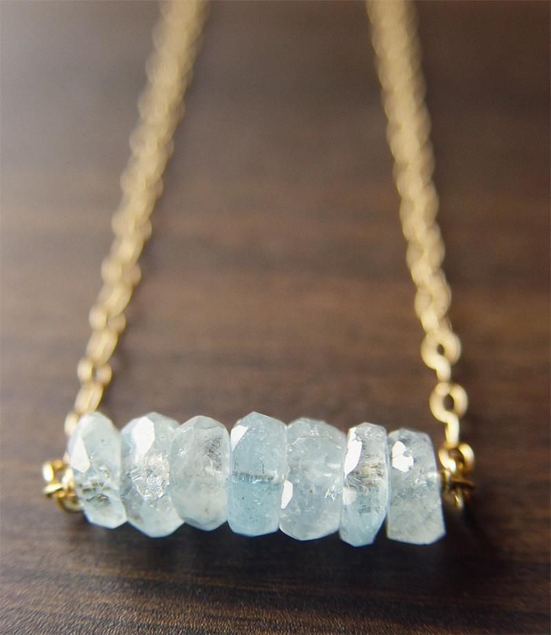 aquamarine bead necklace | via Best Aquamarine Jewelry Finds on Etsy - https://emmalinebride.com/bride/best-aquamarine-jewelry/