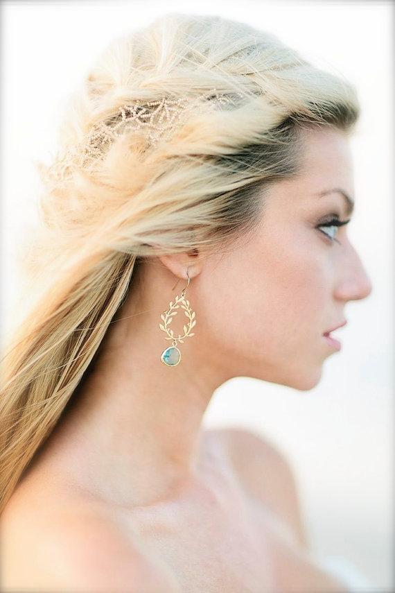 aquamarine laurel wreath earrings | via Best Aquamarine Jewelry Finds on Etsy - https://emmalinebride.com/bride/best-aquamarine-jewelry/