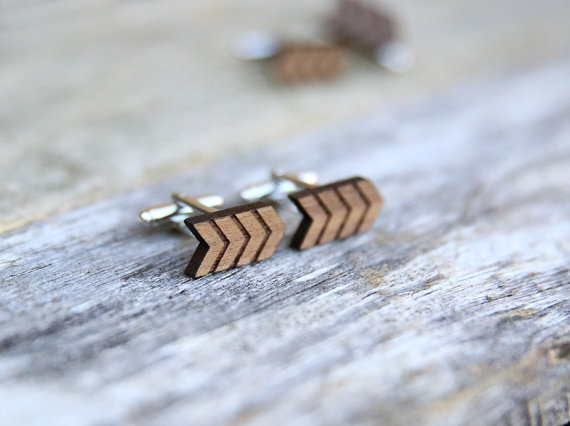 arrow | Custom Cufflinks Groomsmen Gifts | via EmmalineBride.com