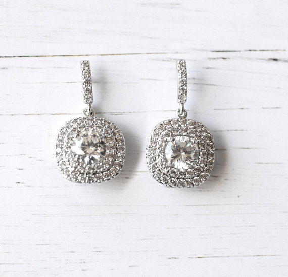 Art deco crystal drop earrings | vintage bridal earrings | https://emmalinebride.com/bride/vintage-inspired-bridal-earrings