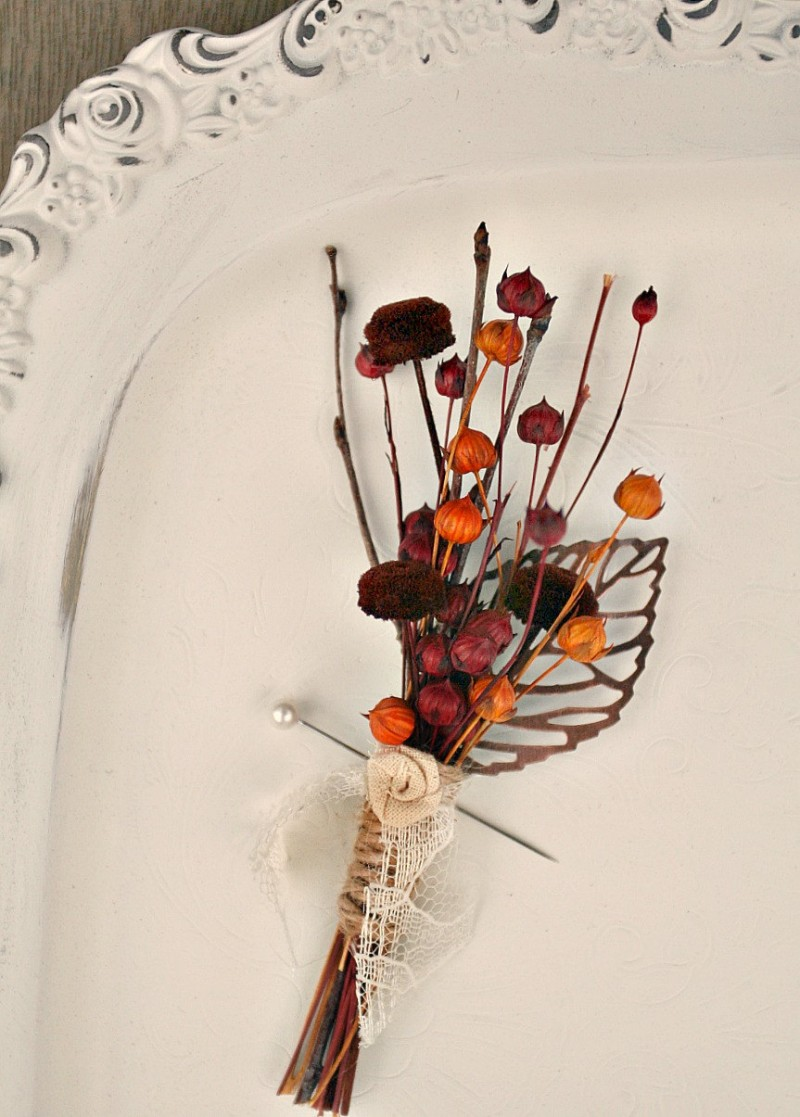 autumn pod boutonniere by The Sunny Bee | boutonnieres fall weddings