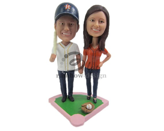 Bobblehead Cake Toppers Weddings | https://emmalinebride.com/reception/bobblehead-cake-toppers-weddings/