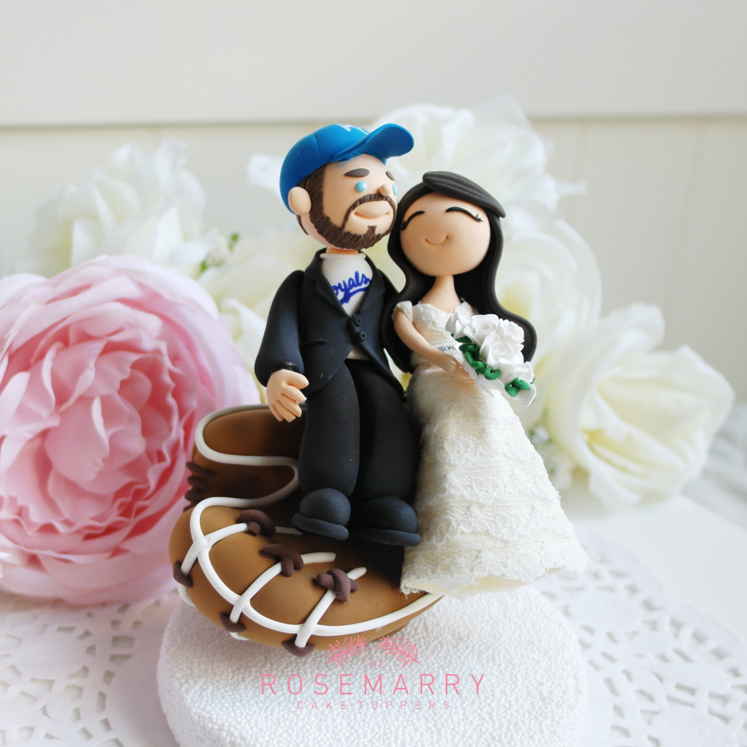 baseball lover cake topper - 9 Adorable Custom Made Cake Toppers via https://emmalinebride.com/decor/custom-made-cake-toppers/