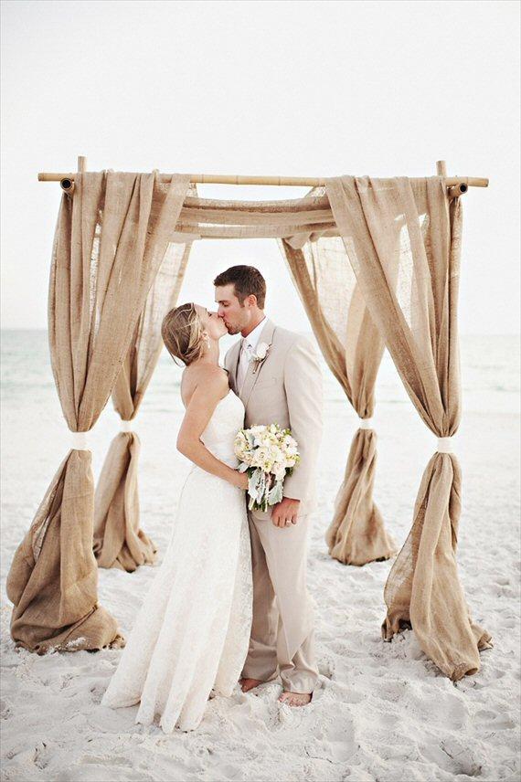 Beach Ceremony Tips - Beach Ceremony Decor (photo by Oeil Photography)