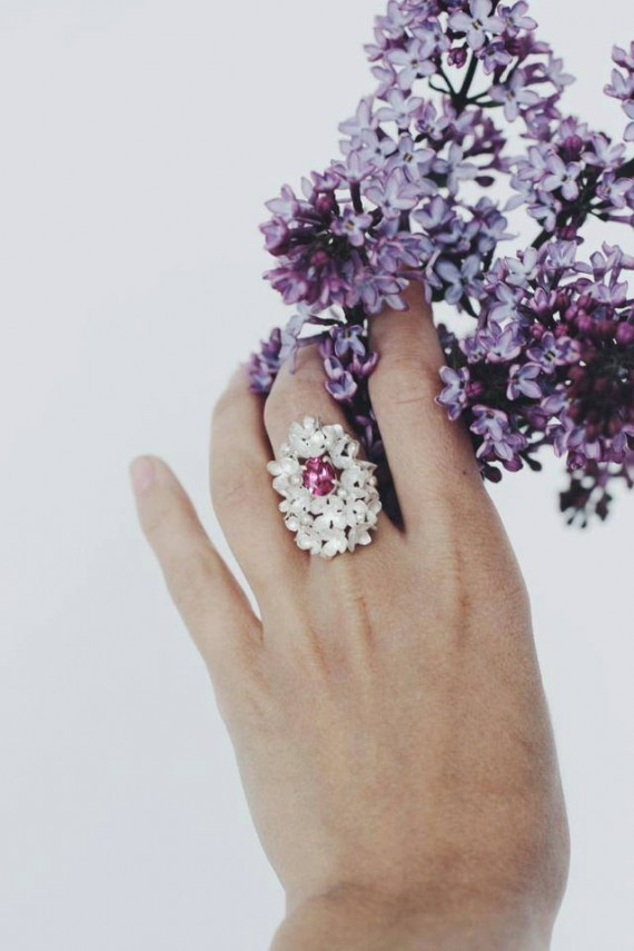 Stylish flower inspired rings, like this one, makes a great gift for the bride or bridesmaids. By The Manerovs Workshop. https://emmalinebride.com/bridesmaids/flower-inspired-rings/