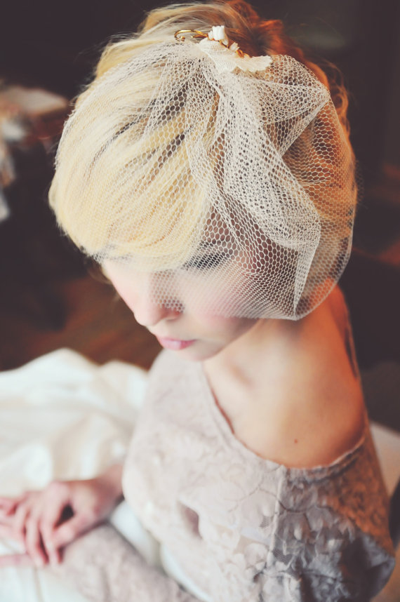 8 Ideas for Something Old, New, Borrowed, Blue (via EmmalineBride.com) - 1920's inspired blusher veil by Letters to Jane, photo by Allison Lee Photography, Model - Hannah Joest