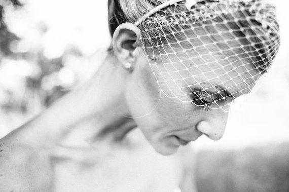 birdcage-veil-headband-nestina-accessories