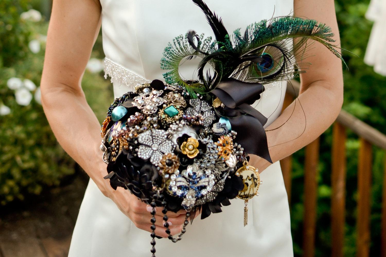 black and peacock brooch bouquet - Wedding Brooch Bouquet Ideas
