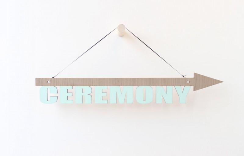 blue ceremony sign | via 10 NEW Something Blue Ideas | https://emmalinebride.com/bride/new-something-blue/
