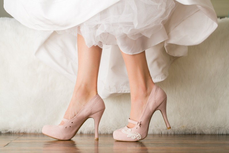 blush pink mary jane heels | via 31 Best Handmade Wedding Shoes http://emmalinebride.com/bride/handmade-wedding-shoes/