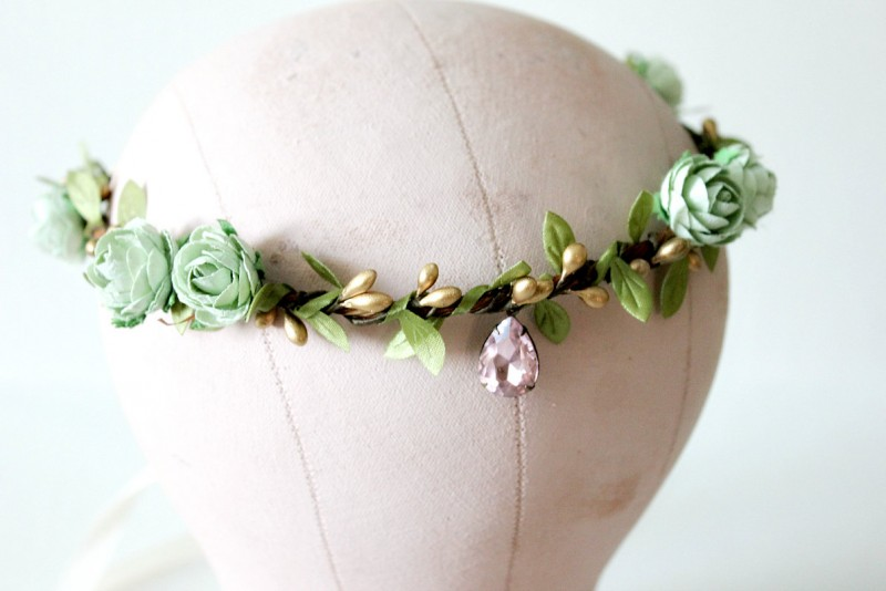 mint - spring wedding crowns | via https://emmalinebride.com/bride/spring-wedding-crowns/