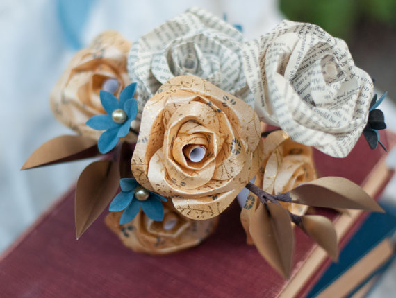 book page bouquet via 10 Amazing Handmade Paper Decorations
