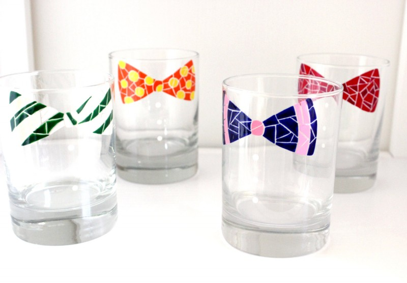 bow tie glassware via personalized glassware gifts | https://emmalinebride.com/bridesmaids/personalized-glassware-gifts/
