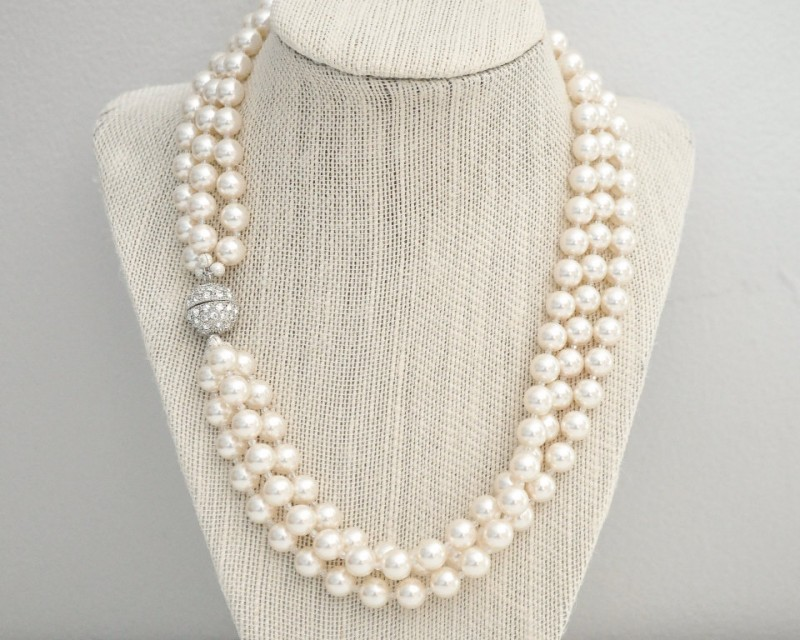 bridal pearl necklace with rhinestone clasp