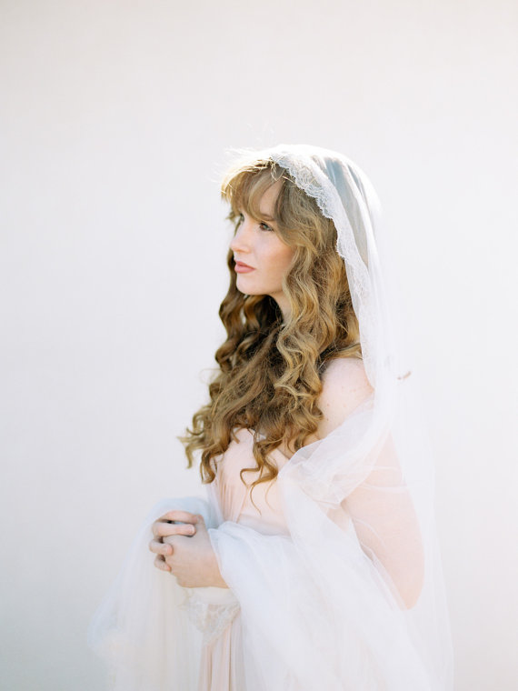 beautiful cathedral length veil weddings by SIBO Designs, photo: Brumley & Wells | https://emmalinebride.com/traditional/cathedral-length-veil-weddings/