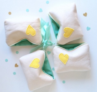 heart cosmetic bags