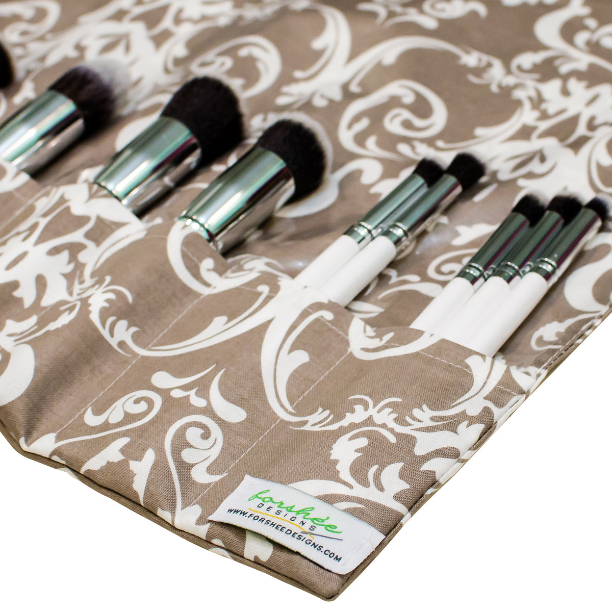 brush roll | gifts bridesmaids travel | https://emmalinebride.com/gifts/gifts-bridesmaids-travel