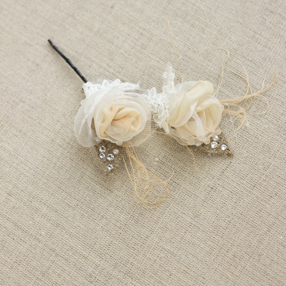 burlap hair flowers | 50 Best Burlap Wedding Ideas | via http://emmalinebride.com/decor/burlap-wedding-ideas/