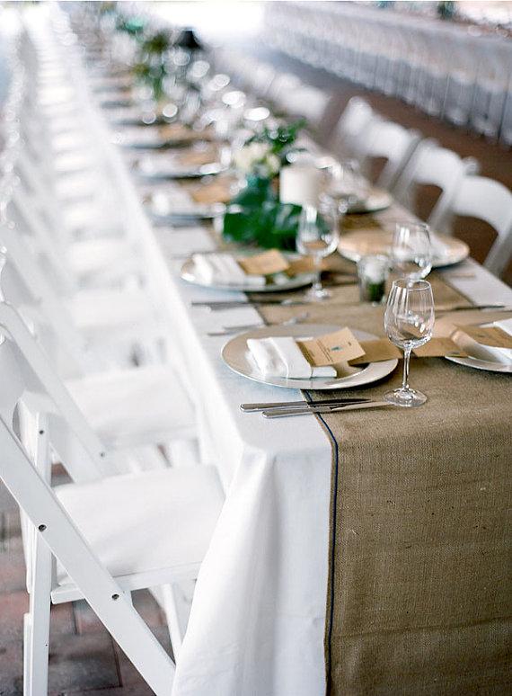 7 Chic Wedding Tablecloth Ideas + Styles