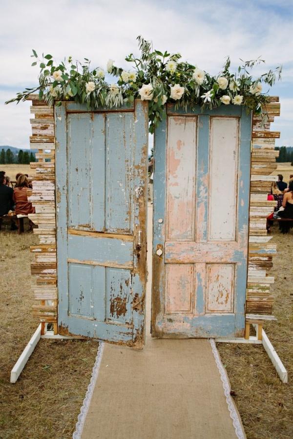wedding ceremony decor backdrop with doors | Ceremony Backdrops Doors | photo: Green Door Photography