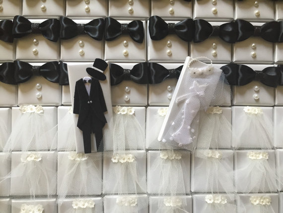 bride and groom by chocolate favors by chocolatebisou | via favor ideas weddings https://emmalinebride.com/favors/favor-ideas-weddings/