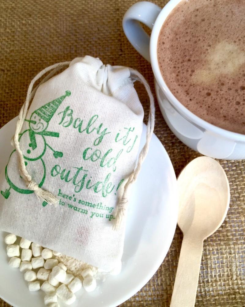 Hot Chocolate Favors Weddings - Apropos Roasters | https://emmalinebride.com/favors/hot-chocolate-favors-weddings/