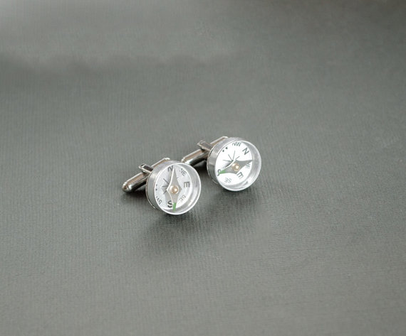 compass cufflinks | Custom Cufflinks Groomsmen Gifts | via EmmalineBride.com