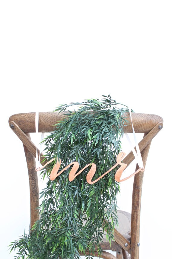 mr chair sign | via http://emmalinebride.com/decor/bride-and-groom-chairs/