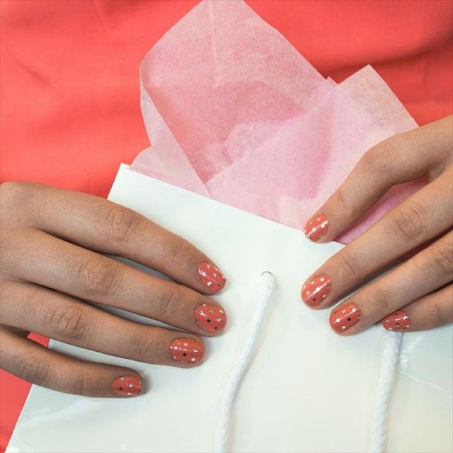 coral polka dot jamberry wraps | An Honest Jamberry Review via EmmalineBride.com