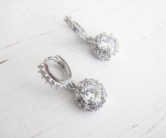 Crystal bridal hoop earrings | vintage bridal earrings | https://emmalinebride.com/bride/vintage-inspired-bridal-earrings