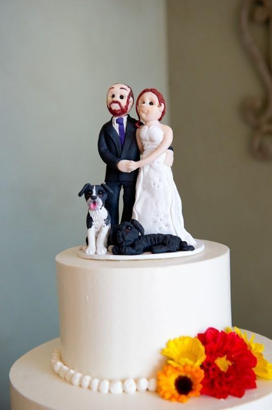 custom-couple-cake-topper