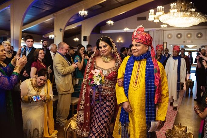 Indian-danversport-yacht-club-wedding - https://emmalinebride.com/real-weddings/indian-wedding-at-danversport-yacht-club/