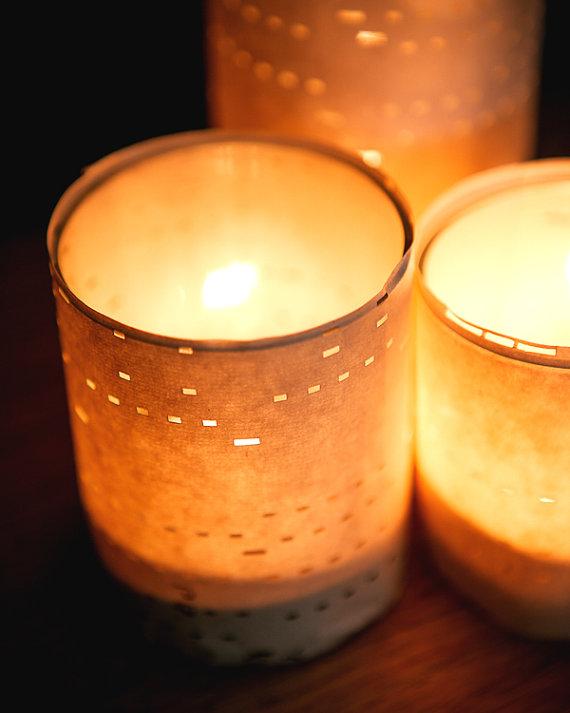 diy table lights | Best DIY Wedding Projects via https://emmalinebride.com/decor/best-