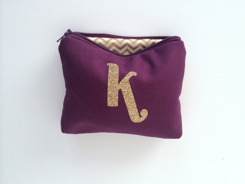 eggplant and gold makeup case | Bridesmaid Makeup Cases https://emmalinebride.com/gifts/bridesmaid-makeup-cases/