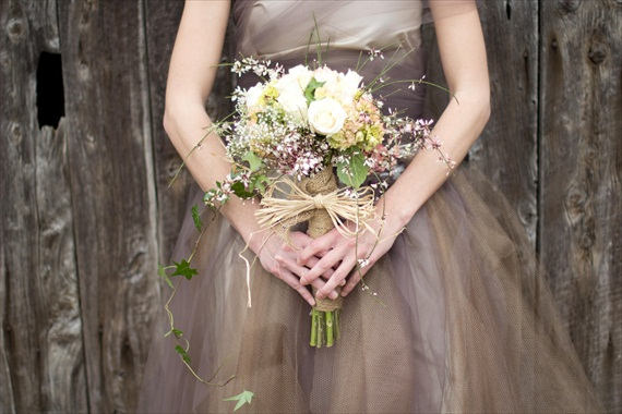 How to Plan a Rustic Fairytale Wedding (photo by Jessy Carte via EmmalineBride.com)