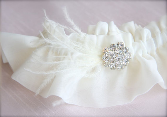 Feather Themed Wedding - feather garter by gracefully girly