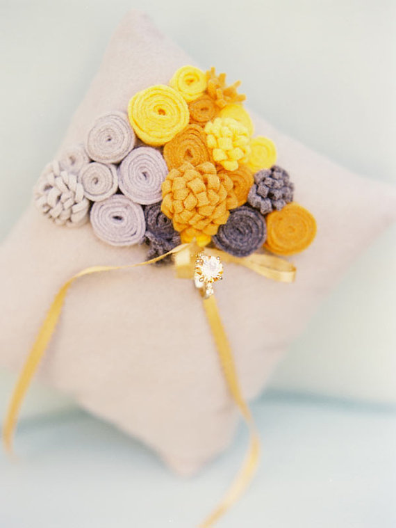 felt flower ring pillow