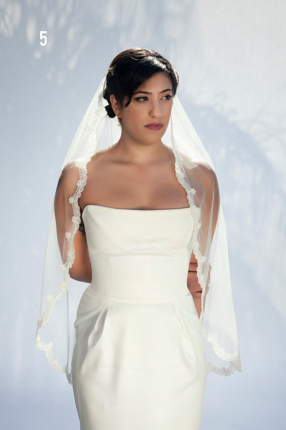 Wedding Veil Styles: The Ultimate Guide (Part One) - fingertip veil by bridal ambiance