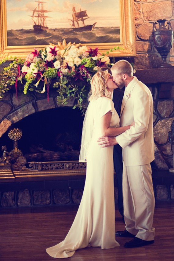 first-kiss-bride-groom-tuscaloosa-wedding-ceremony