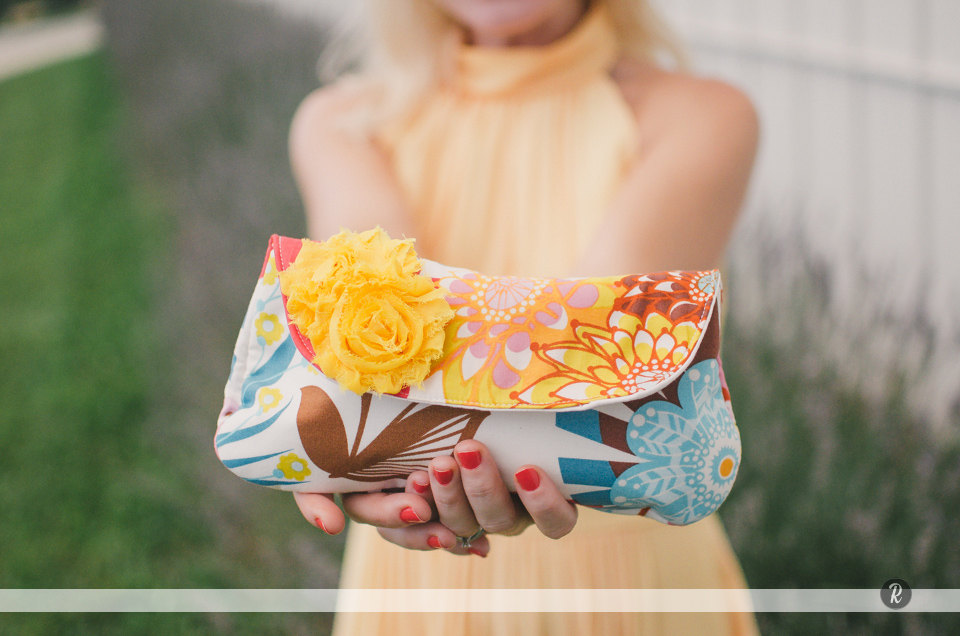 floral clutch purse | 7 Spring Wedding Clutches Your Girls Will Love via emmalinebride.com