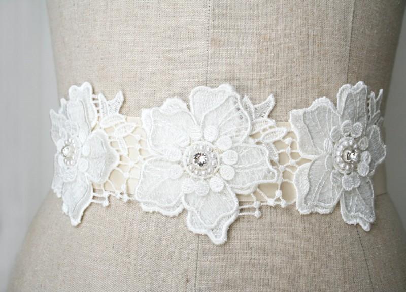 floral lace wedding dress sash | NEW Wedding Dress Sash Ideas via http://emmalinebride.com/bride/wedding-dress-sash-ideas/