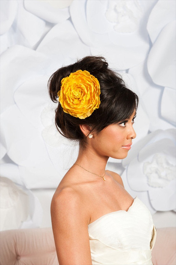 How to Rock a No Veil Wedding Look (via EmmalineBride.com) - Flower Fascinator by Tessa Kim, photo by Candice Benjamin