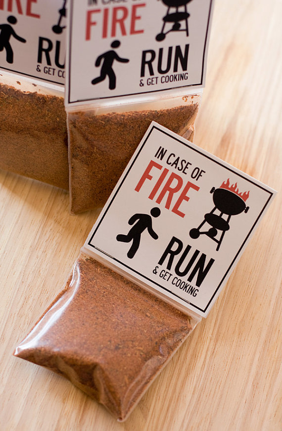 5 Foodie Wedding Favors: #3 BBQ Spice Rubs for Dip (by Dell Cove Spices via EmmalineBride.com) #favors #handmade #wedding #foodie
